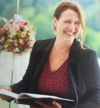 Angela Klein hält Eure Traurede für Eure freie Trauung