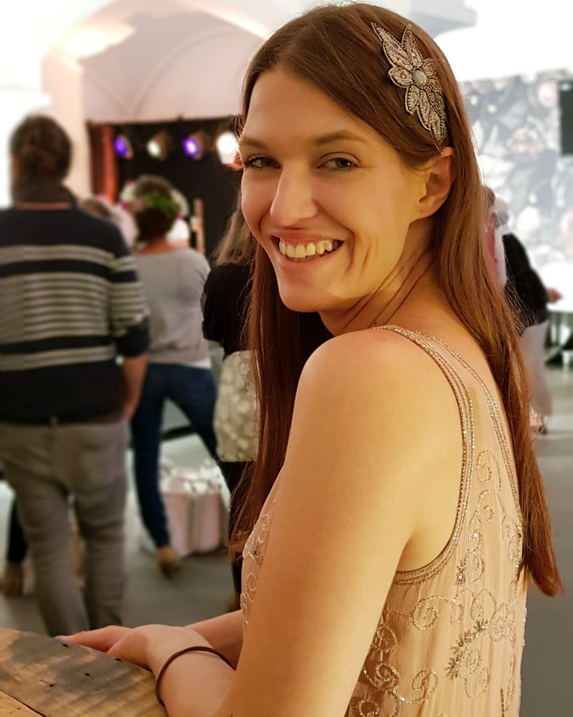 Marina Lessig begleitet Eure Hochzeit als freie Rednerin auf freien Trauungen