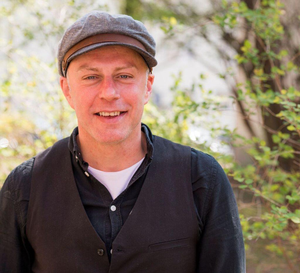 Trauung im Freien mit freien Rednern von Strauß & Fliege