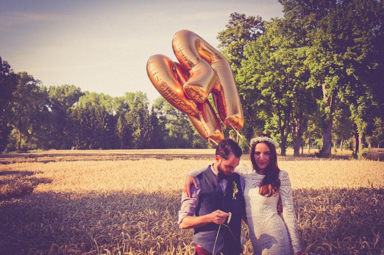 DIX Freie Trauung auf der Sommerwiese mit Strauß & Fliege