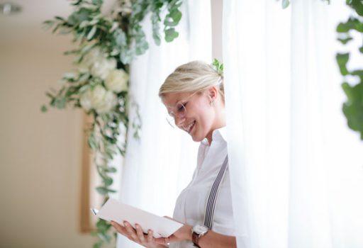 Traurednerin Carolin hält freie Hochzeiten im Norden Deutschlands