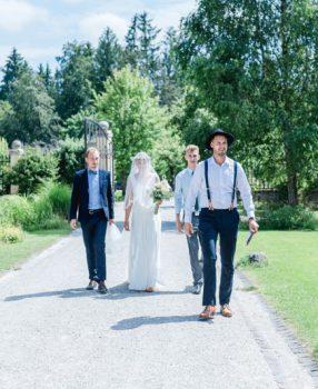 Freie Trauung im Obstgarten mit Strauß & Fliege