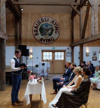 Freie Trauung in der Brauerei Aying   Freie TraurednerInnen   Strauß & Fliege