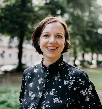 Anna ist freie Traurednerin bei Strauß & Fliege