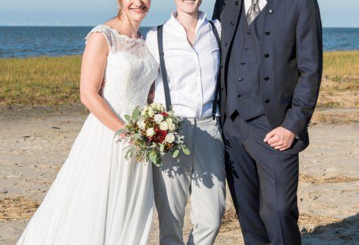Freie Trauung an der Ostsee: Hochzeit am Strand mit Traurednerin Anka von Strauß & Fliege