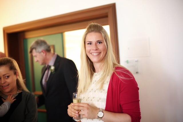 Hochzeitsrednerin in Bayern: Anna Hölzl von Strauß & Fliege