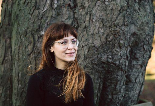 Traurednerin Veronika freut sich auf Eure freie Trauung in München