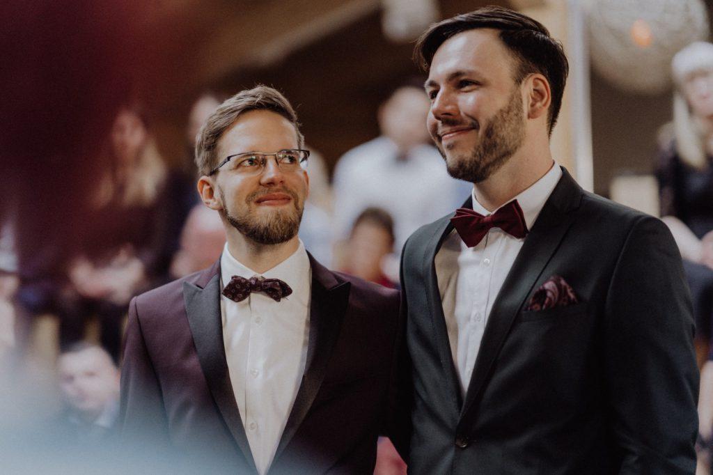 Strauß & Fliege Trauredner begleiten wunderschöne queere Trauung in Berlin