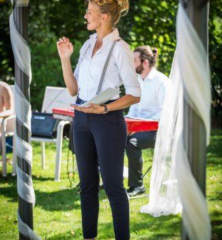 Traurednerin Carolin Wett von Strauß & Fliege