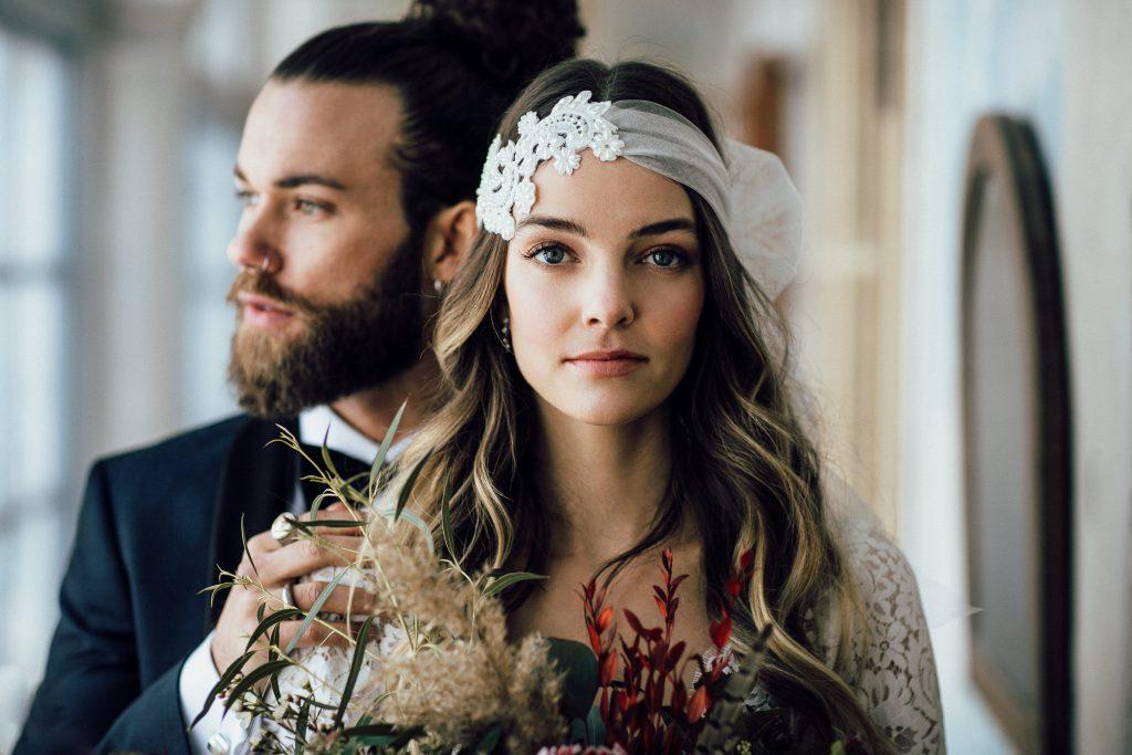 Alternatives Brautpaar im Boho-Style