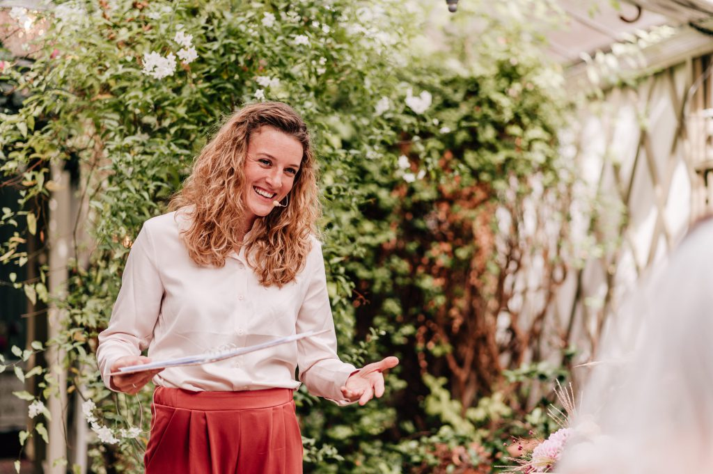 Hochzeitsrednerin Carolin Imgrund hält eine wunderschöne Traurede