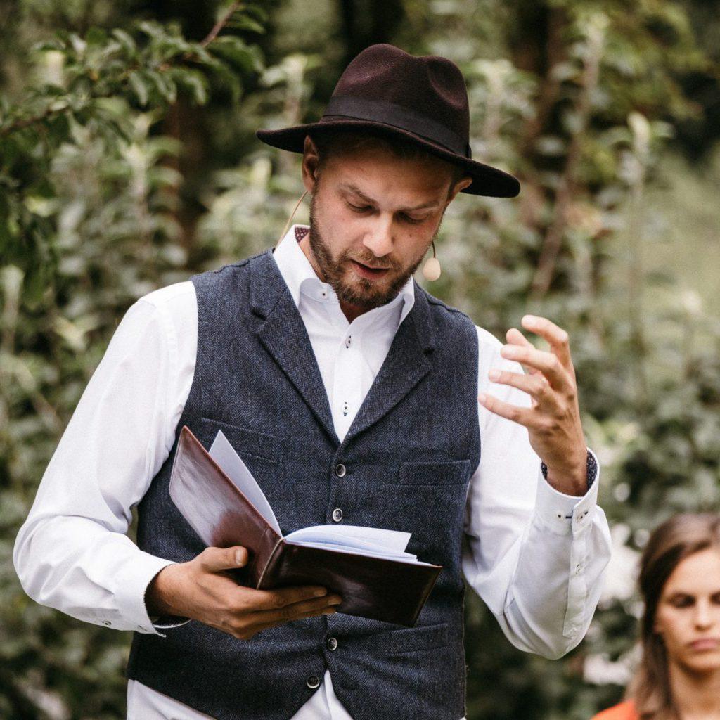 Hochzeitsredner Johann-Jakob Wulf bei einer freien Trauung