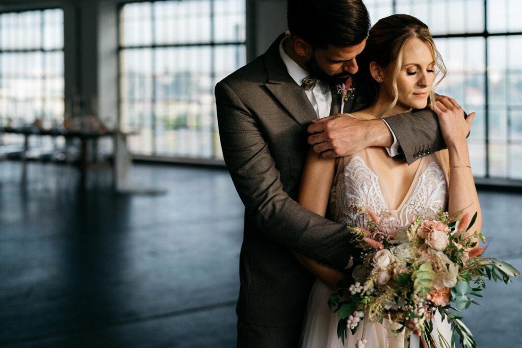 Brautpaar nach der freien Trauung in Wien