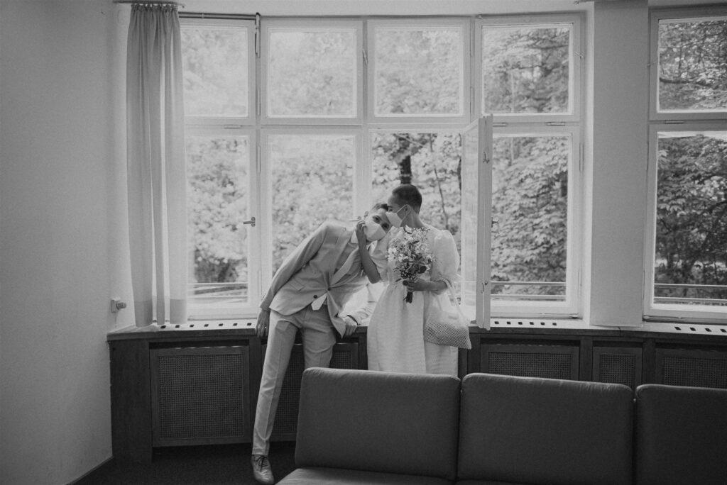 Corona Hochzeit auf dem Standesamt