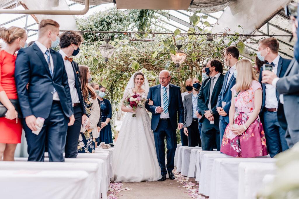 Einzug der Braut mit Brautvater alte Gärtnerei München