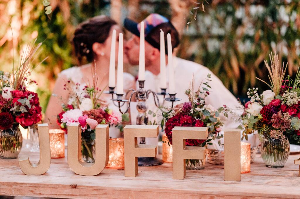 Hochzeitsdekoration Buchstaben Brauttisch