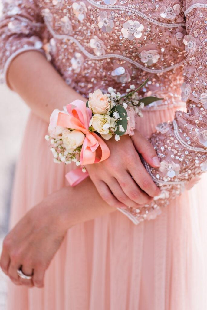 Blumen Corsage | Accessoires Brautjungfer | Strauß & Fliege