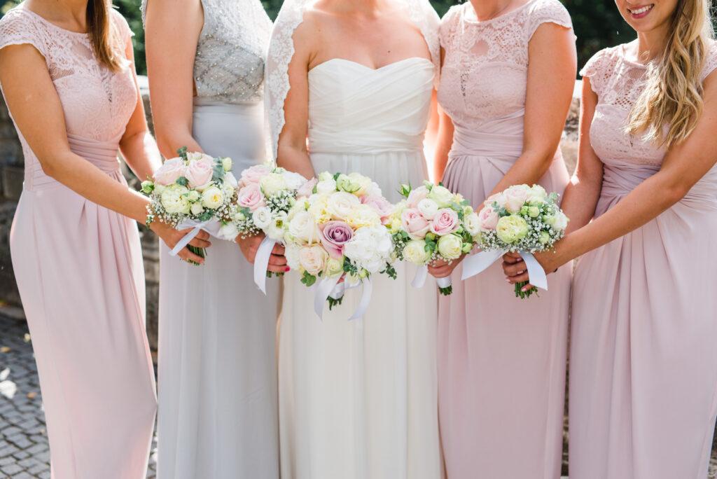 Brautstrauß | Blumenstrauß Brautjungfern | Strauß & Fliege