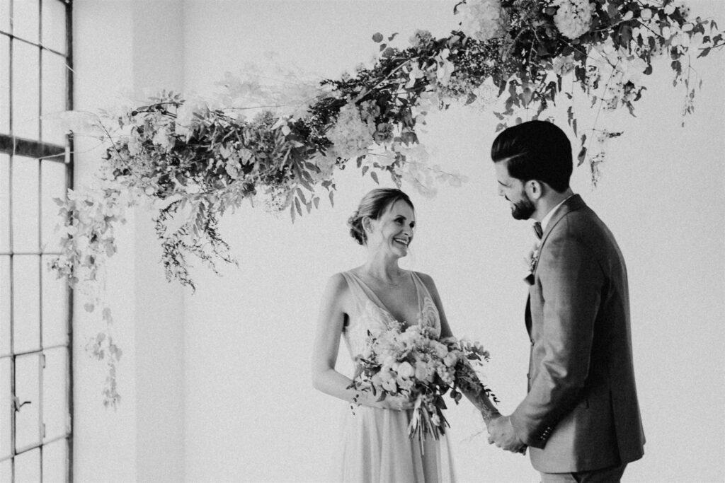 Hochzeit Wien   Freie Trauung NY Style   Strauß & Fliege