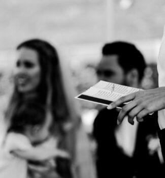 Persönliche Traurede für die Hochzeitszeremonie   Strauß & Fliege