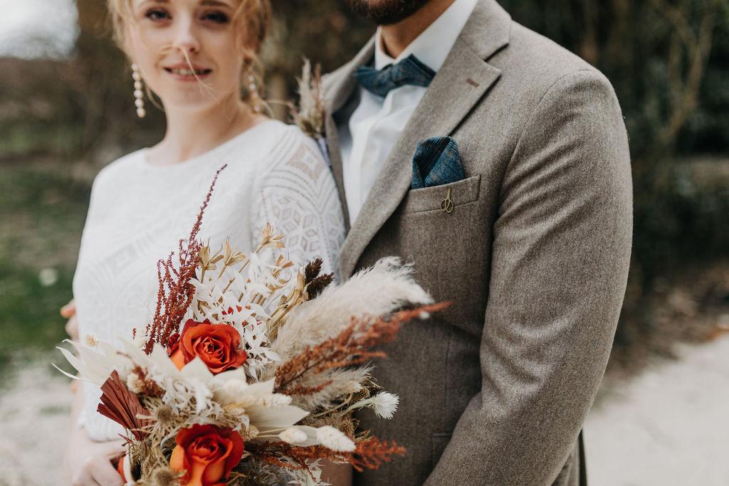 Hochzeit im Herbst | Brautstrauß | Strauß & Fliege