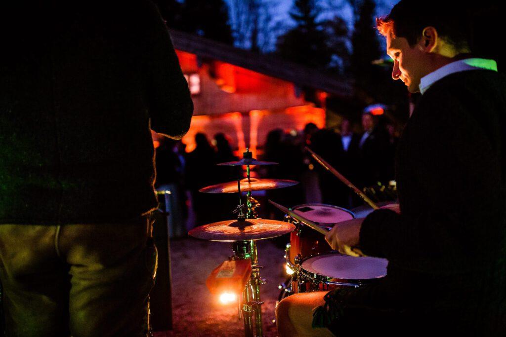 Outdoor Live Musik auf der Hochzeitsfeier | Strauß & Fliege
