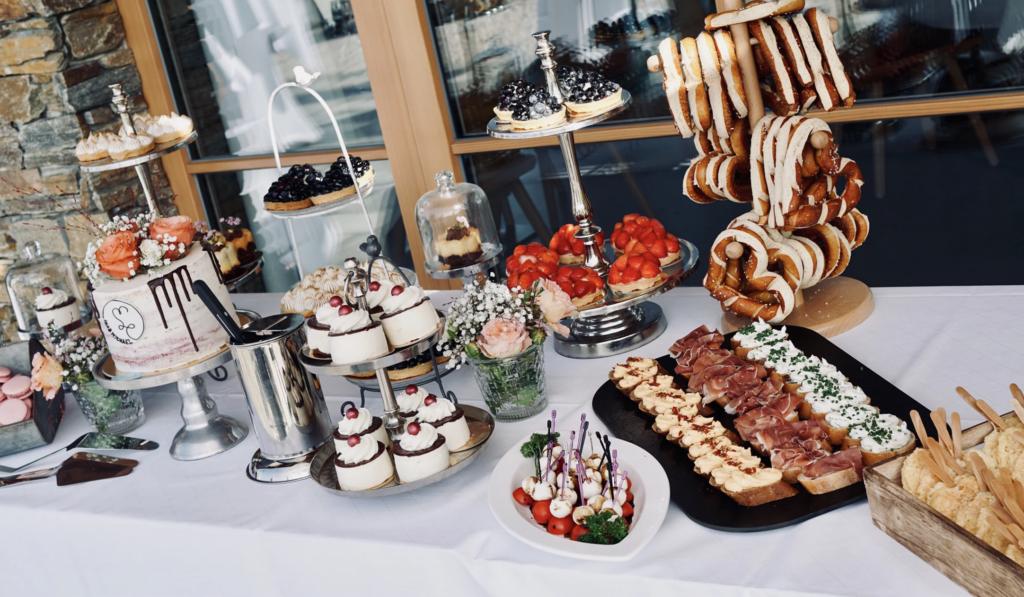 Hochzeitsbuffet | Wedding Planer Rosenheim Sunshine Weddings | Strauß & Fliege