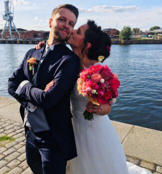Freie Trauung im Hansemuseum Lübeck | Heiraten am Wasser | Strauß & Fliege