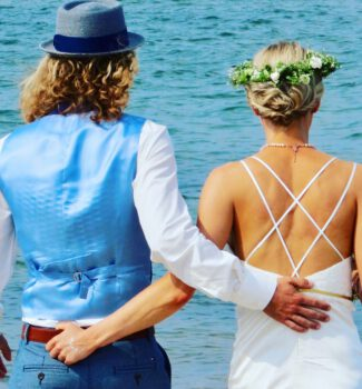 Freie Trauung an der Ostsee   Traurednerin Carolin Wett   Strauß & Fliege